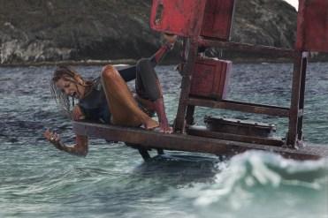 Nancy (Blake Lively) nimmt den Kampf auf © 2016 Sony Pictures Releasing GmbH