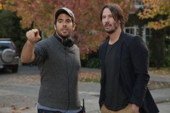 ©SquareOne/Universum Regisseur Eli Roth mit Darsteller Keanu Reeves.