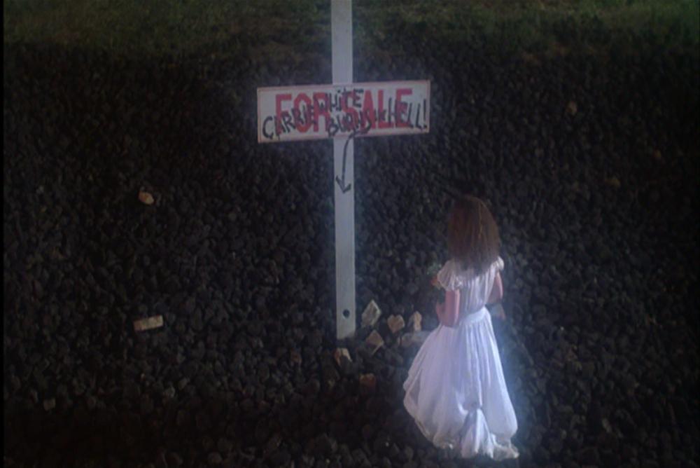 2. Carrie, ending, cross