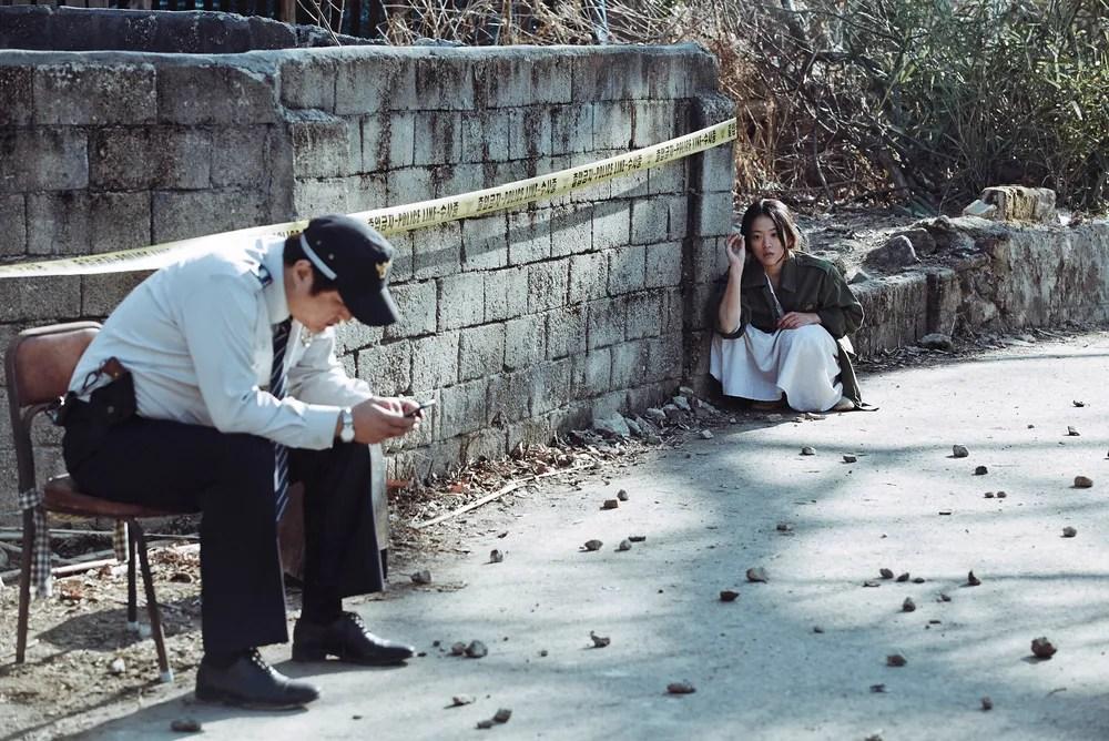 2-the-wailing-woman-throwing-rocks-at-jong-goo