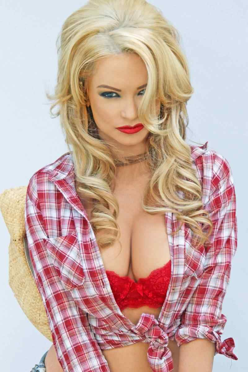 Mindy Robinson Joins the Cast of DON'T F*CK IN THE WOODS 2