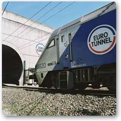 horse-transport-eurotunnel-train