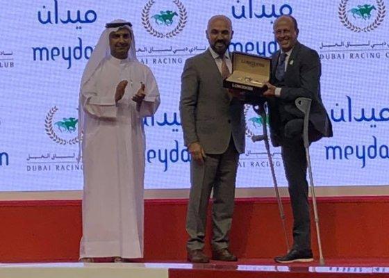 Ernst Oertel accepts win trophy for 2019 Dubai Kahayla Classic: Noelle Derre'