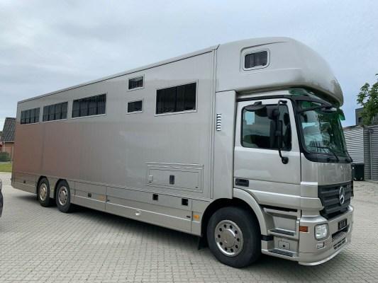 MERCEDES-BENZ ACTROS 2541 EHC 8 HORSES