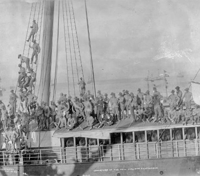Departure of the New Zealand Contingent to the South African War, aboard the Waiwera, 21 October 1899. Photograph taken by Henry E L Brusewitz. © Alexander Turnbull Library