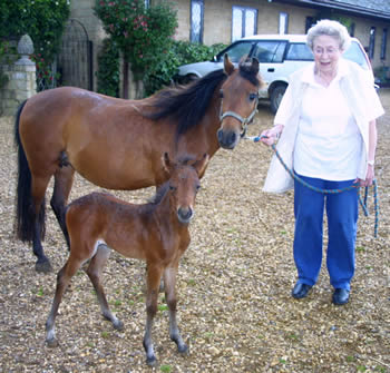 Pat Bowles with her new arrival, Bytham Justin Time, and his proud mum.