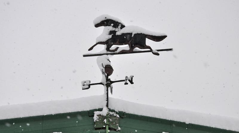 winter-snow-barn-800
