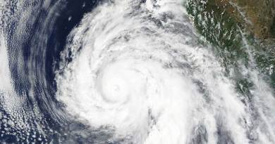 Hurricane Dolores on July 15, 2015, near its peak intensity. The westward moving hurricane crossed Central America. Photo: Terra MODIS satellite from NASA, via Wikimedia Commons
