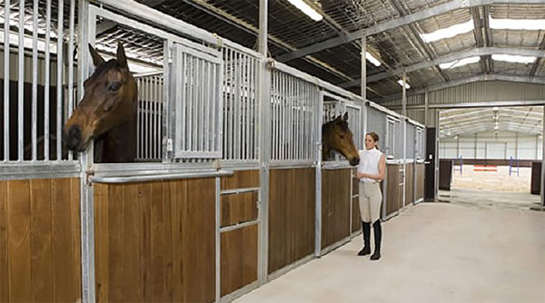 Bandanora's 10 stables all have run-out yards. There's also feed and tack rooms, a wash bay and veterinary crush.