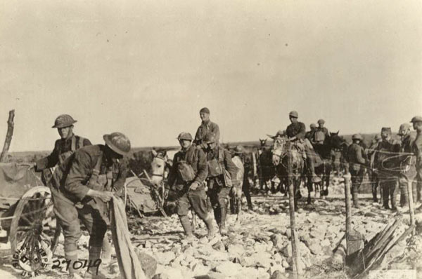 A U.S. Army machine gun company on the way to front, 1918.