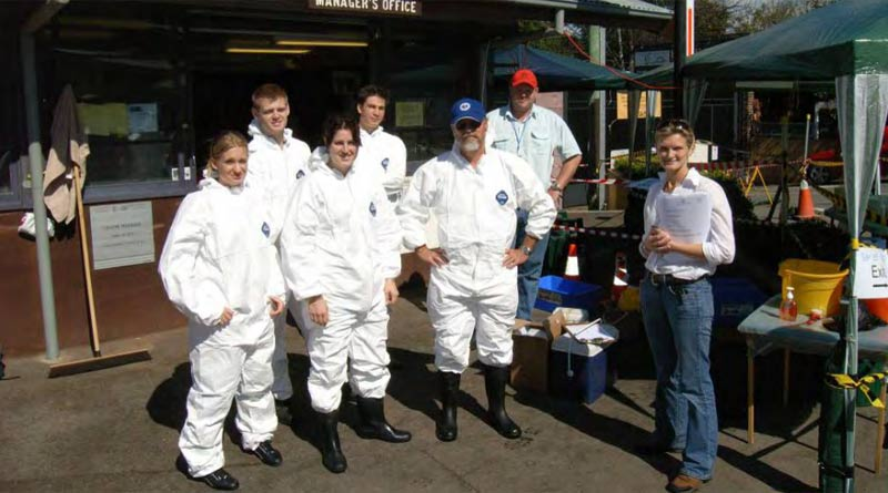 A team of veterinarians at work during the height of Australia's EI outbreak in 2007.