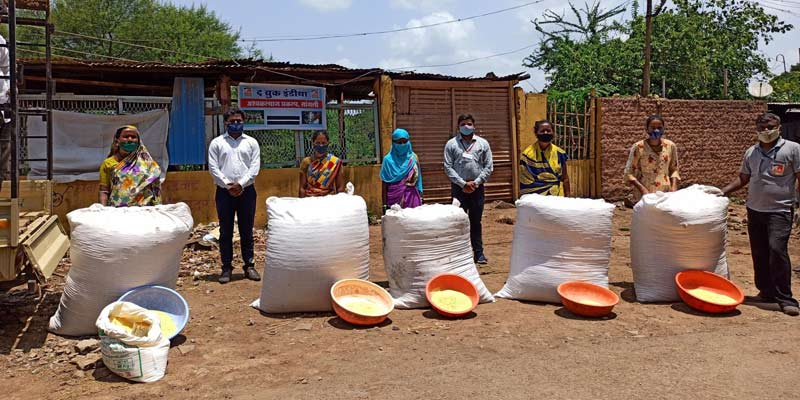 Brooke has been distributing balanced feeds to horses and donkeys in need.