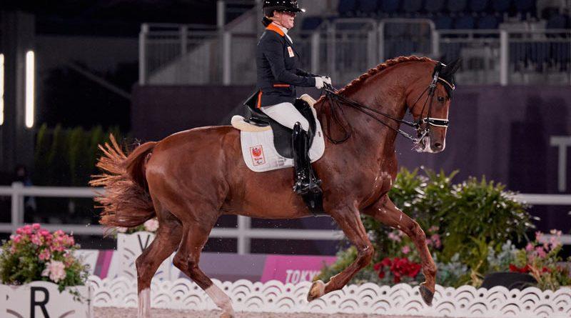 Grade IV individual gold medalist Sanne Voets with Demantur at Tokyo 2020.