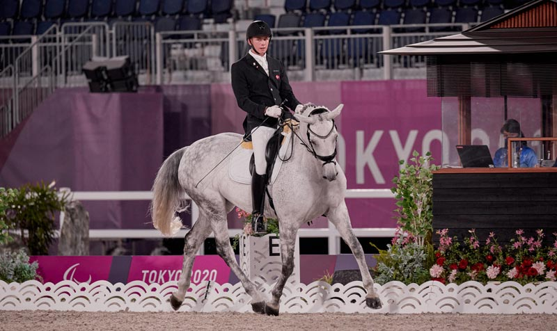 Tobias Thorning Jorgensen (DEN) and Jolene Hill scored 79.559% in the Grade 3 team test at the Tokyo 2020 Paralympics.