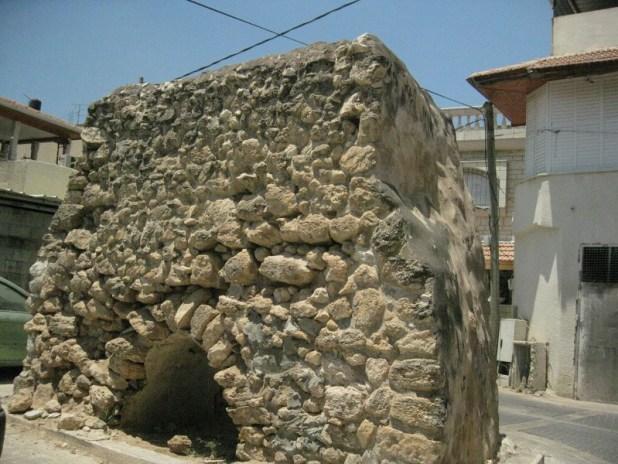 מאקאם עג'מי מהמאה ה-16 בלב השכונה הצפונית בעיר צילום: Ovedc