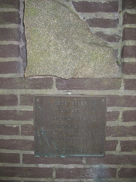 """""""THIS STONE FROM THE DESTRUCTION CAMP MAUTHAUSEN THEY ARE THE COMING GENERATIONS A SIGN 5 MAY 1970."""" The monument is placed on the former Old Cemetery 'Gedenk te Sterven', located on the Oude Torenstraat (behind the Grote Kerk) in Hilversum. Source www.tgooi.info"""