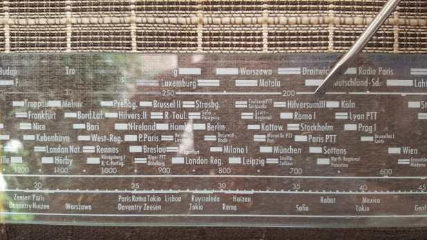 העיר הילפרסום מופיעה על כל מכשירי הרדיו באירופה. כאן על מכשיר גרמני משנת 1939(צילום Ingeborg Wilke)