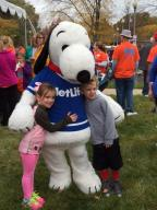 MetLife w Snoopy and kids