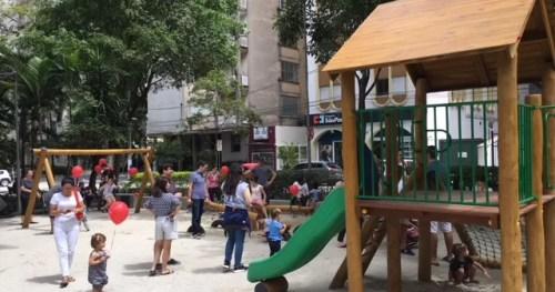 Praça Vilaboim, em São Paulo, tem novo parquinho infantil