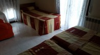 Hostal-Can-Josep-habitacion-triple