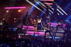 Ariana Grande (1)