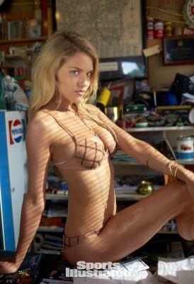 Ashley Smith (23)