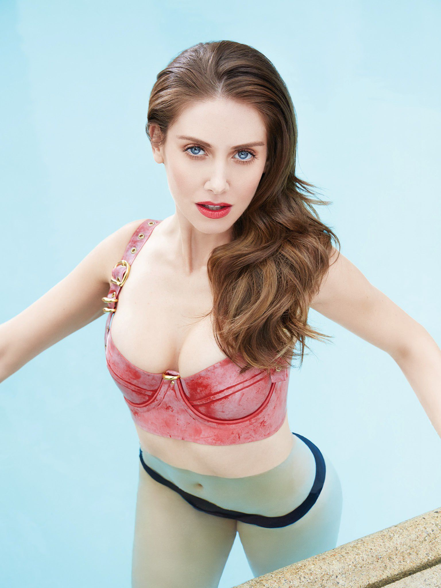 Alison Brie Finally Leaked Nude And Sexy Selfie Photos