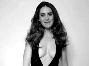 Alison-Brie-In-A-Swimsuit-For-GQ-Mexico (1)
