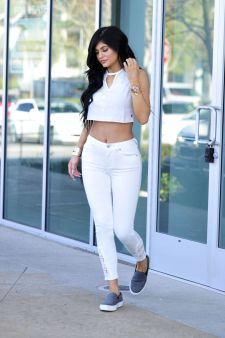 Kylie Jenner 23