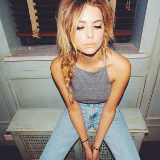ashley benson (1)