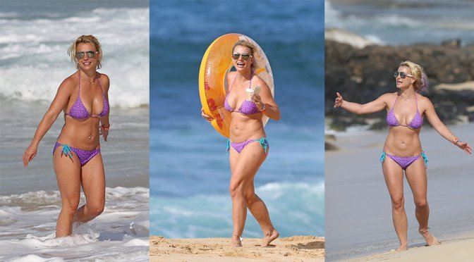 Britney Spears – Bikini Candids in Hawaii
