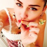 Miley 002