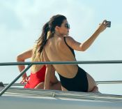 Khloe Hardashian Kendall Jenner (18)