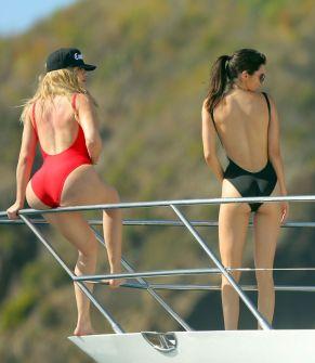 Khloe Hardashian Kendall Jenner (2)