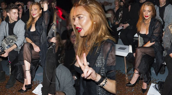 Lindsay Lohan – Nipslip at Gareth Pugh Fashion Show in London