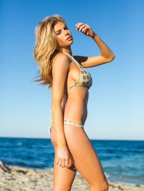 Charlotte McKinney (4)