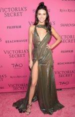 Kendall Jenner (38)