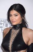 Kylie Jenner (22)