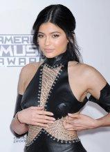 Kylie Jenner (2)