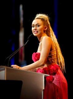 Miley Cyrus (30)