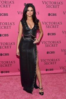 Selena Gomez (46)