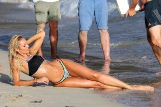 Candice Swanepoel (33)