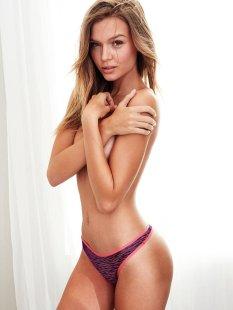 Josephine Skriver (30)