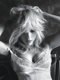 Scarlett_Johansson (2)