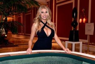Charlotte McKinney (30)