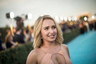 Hayden Panettiere (23)