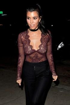 Kourtney Kardashian (4)