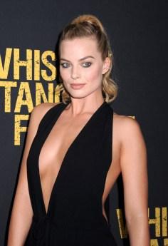 Margot Robbie (23)
