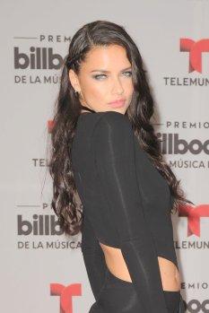 Adriana Lima (24)