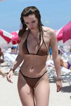 Bella Thorne (39)